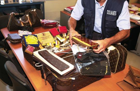 Consommation : la Douane et l'Unifab intensifient leur lutte contre la contrefaçon