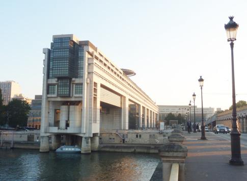 Aides / Export : les CCE et le Medef remettent la pression sur Bercy