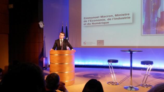 Diplomatie économique : Emmanuel Macron veut remotiver ses troupes