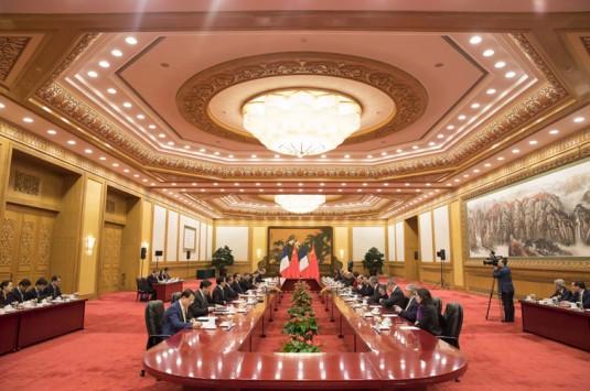 Chine / France : B. Cazeneuve apporte à Wuhan sa pierre à la construction d'une Ville durable à la française